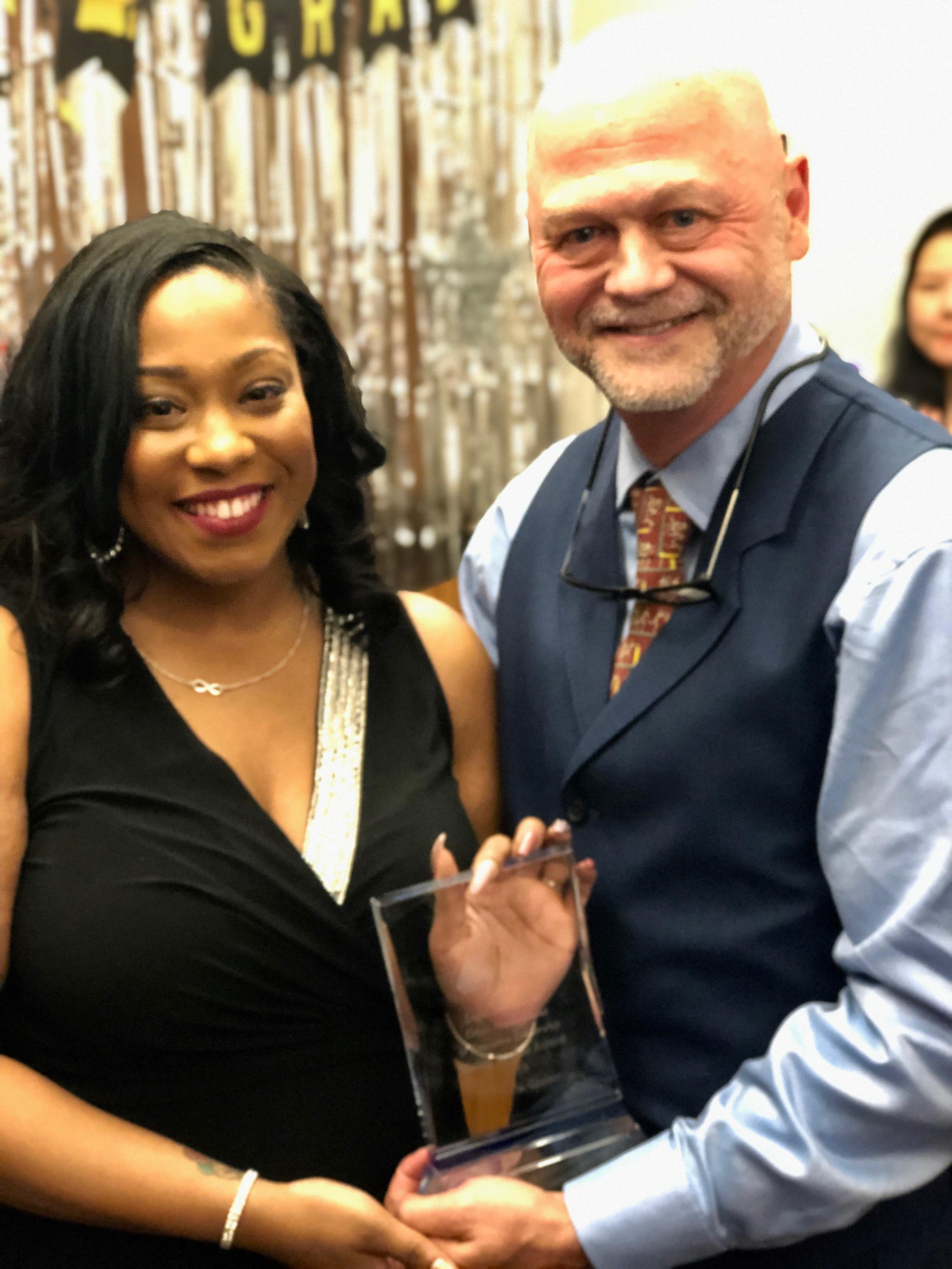 Logos Institute honors Carmella Glover with 2019 Rising Leader Award, celebrates 2019 graduates